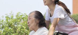 家族思いの優しい子が介護福祉士を目指して成長した話